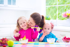 8 Common Mistakes Parents Make When Feeding Toddlers